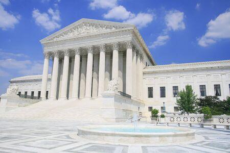 Cour supr�me des �tats-Unis � Washington DC. Versatile image qui pourrait �tre utilis� pour repr�senter la politique, le pouvoir, le gouvernement, les voyages, les d�bats sur les politiques, les �lections, la justice, des droits de l'homme.