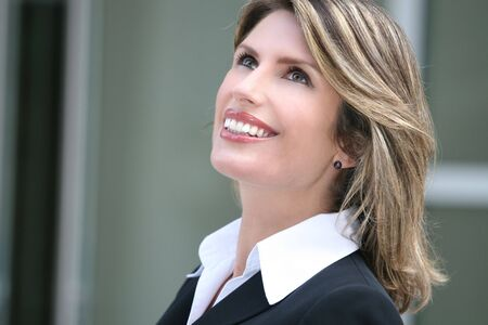매력적인 비즈니스, 기업 여성 소송에서의 얼굴 만. 다양한 상업, 금융 및 비즈니스 테마에 적합합니다. 스톡 콘텐츠