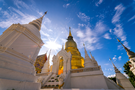 Wat Suan Dok寺。這座寺廟在泰國清邁的老市中心包含蘭納藝術的最高榜樣。 版權商用圖片