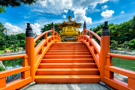 Hongkong beautiful golden teak wood pagoda at Nan Lian Garden in Hong Kong 版權商用圖片