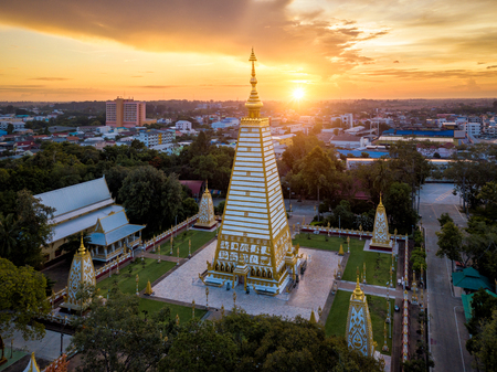 Wat Phra That Nong Bua is a Dhammyuttika temple, one of important temples in Ubon Ratchathani Thailand. The highlight of this place is Sri Maha Pho Chedi. This pagoda is where Buddha relics are stored