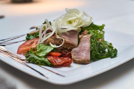 sundried: Salad with ham and sundried tomatoes