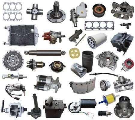 Pièces automobiles, pièces de véhicules, accessoires de voiture isolés sur fond blanc. Banque d'images