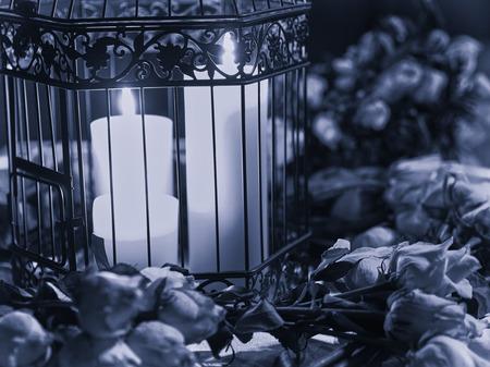luz de velas: mesa con velas pieza central