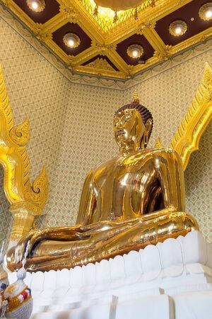 Sukhothai Buddha Golden Buddha at Wat Trai Mit Science Worawihan  The public art