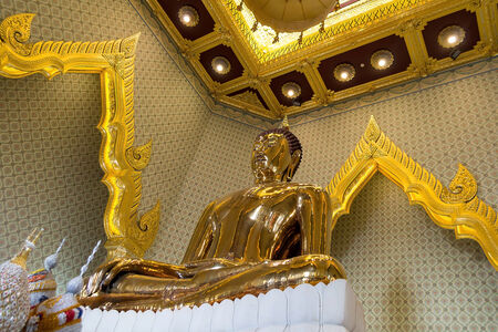 Sukhothai Buddha Golden Buddha at Wat Trai Mit Science Worawihan  The public art