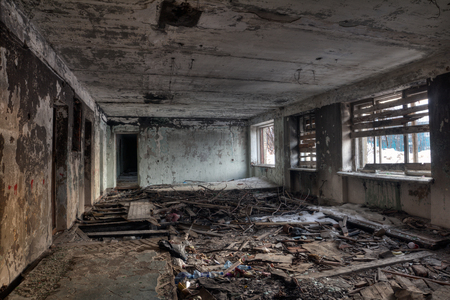 Interior view of the destroyed room in an abandoned house Imagens