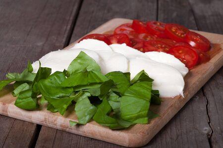 comida italiana: Bandera italiana hecha de comida italiana típica Foto de archivo