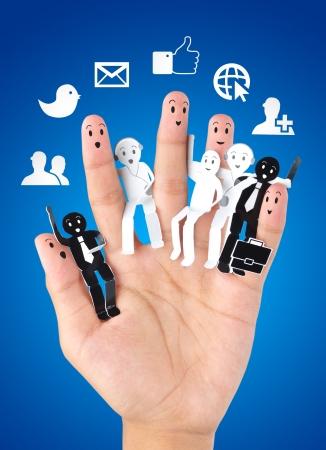apoyo social: sonreír dedos para el símbolo de la red social