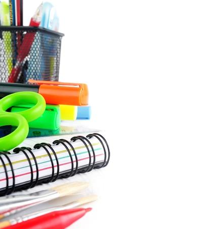 papeleria: Papel de la escuela aislado en blanco para el dise�o de distribuci�n y espacio de la copia
