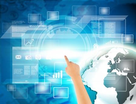 Прикосновение с современной цифровой технологии виртуального с сенсорным экраном