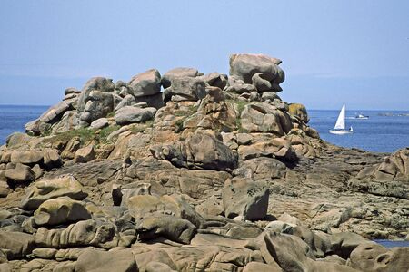 ploumanach: Rocky coastline near Ploumanach, Brittany, Northern France Stock Photo