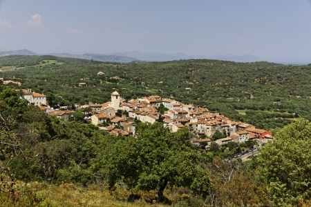 alpes: Mountain village of Ramatuelle nearby Saint Tropez, Cote dAzur, French, Riviera, Provence, Southern France, Europe Stock Photo