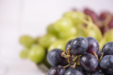 Frische Frucht Standard-Bild - 98561603