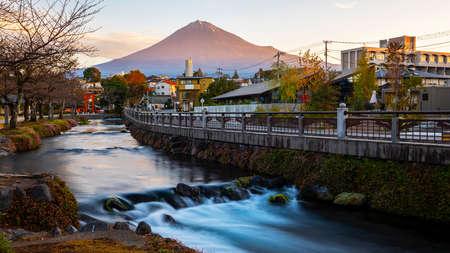 Morning time of Fuji Mountain with long exposure of water near the river in shinto shrine at Fujinomiya, Shizuoka Prefecture, Japan 版權商用圖片