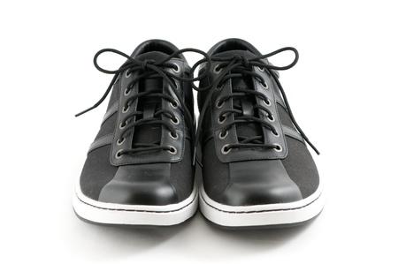 Herren: Freizeit-Schuhe schwarz auf weißem Hintergrund