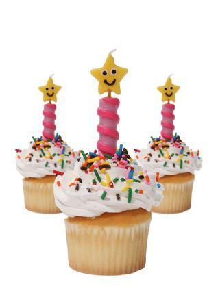 indulgere: Tre deliziose cupcakes divertente con candele a forma di stella