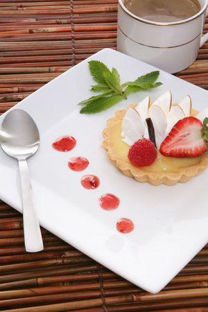 ambrosia: Una deliziosa torta al limone dolce con caff�