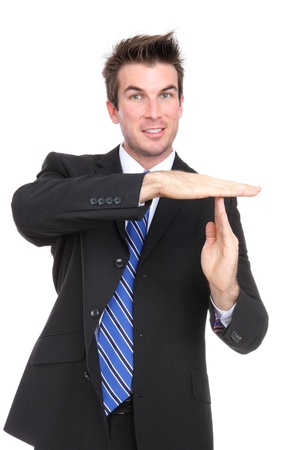 signalering: Een knappe jonge zaken man signalering time-out