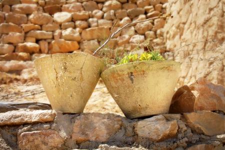 ollas de barro: Las ollas de barro en el pueblo Berber en T�nez