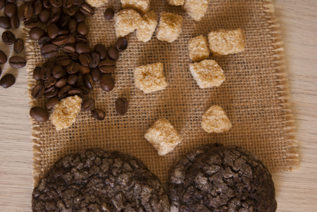 bagging: cookies, coffee and beans on the bagging cloth