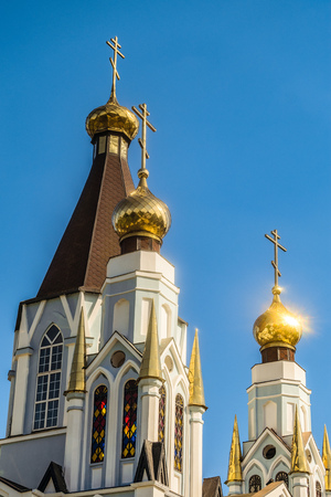 Russian Orthodox Church towers with three domes and crosses Imagens
