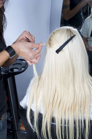 frizz: Blond hair extensions 3