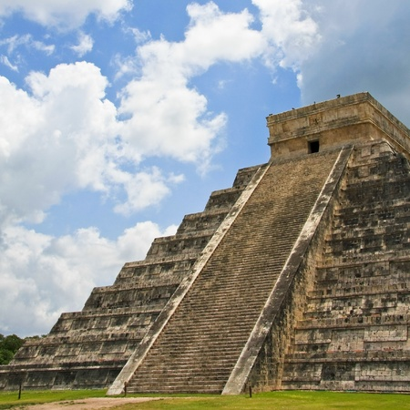 Kukulkan pyramid in Chichen Itza on the Yucatan Peninsula, Mexico. photo