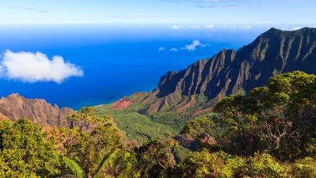 Prachtig uitzicht op de Kalalau-vallei en de Na Pali kust in Kauai. Stockfoto