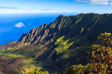 na: Morning scene at the Napali Coast in Kauai, Hawaii Islands.