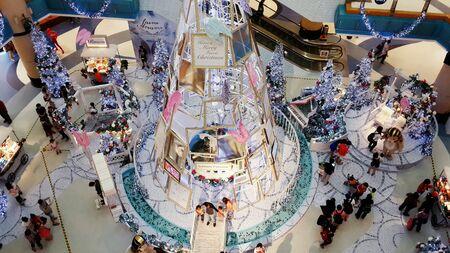 Рождественская елка на Sunway Pyramid