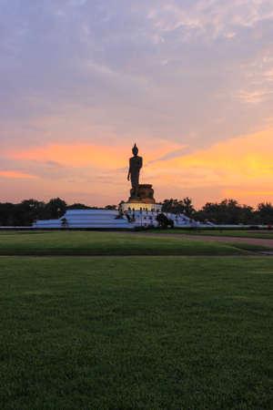 nakhon pathom: sunset sky at  Phutthamonthon (Buddhist park in Phutthamonthon district, Nakhon Pathom Province of Thailand) Stock Photo