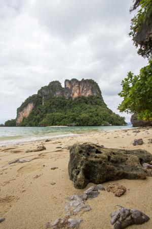 Crystal clear sea water,pleasant and shady atmosphere at Phak Bia Island,Ao Luek District, Krabi,Thailand Banco de Imagens - 78486817