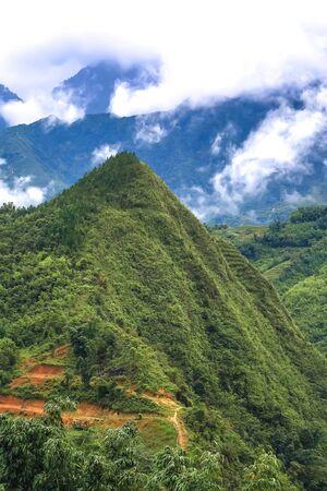 Beautiful mountains and valleys around Cat Cat village in Sapa,Lao Cai Province,north-west Vietnam. Foto de archivo - 130724548