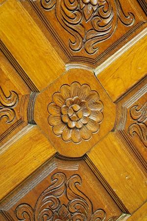 wood door carves