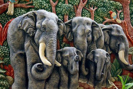 moulded: moldeado la figura de elefante