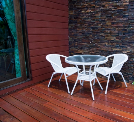 silla en el patio