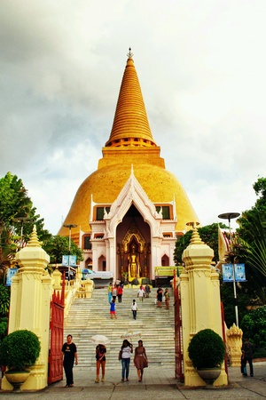 marvellous: Golden Pagoda in Thailand