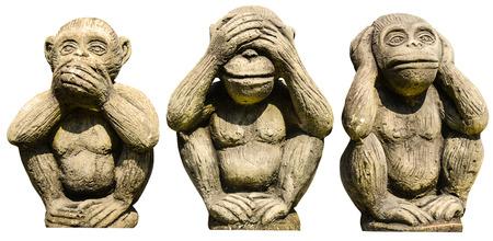 trois: Trois singes statues isol�es Banque d'images