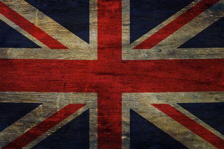 bandera de gran bretaña: Gran bandera de Gran Bretaña en el fondo de madera vieja Foto de archivo