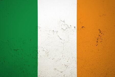 Ireland Flag on grunge wall background Lizenzfreie Bilder
