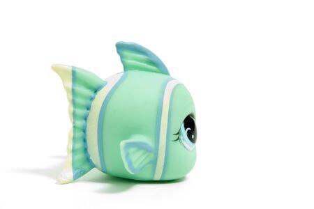 fish toy: pesce carino giocattolo con grandi occhi, isolati on white Archivio Fotografico