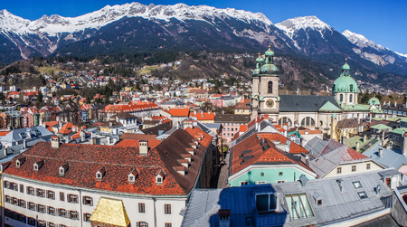 View of the city of Innsbruck from the roof. Banco de Imagens