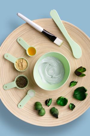Homemade mask for the face or hair. Castor oil, essential oils, mustard, dry nettle leaves.