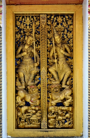 hand carved: Hand Carved Doors in Thailand