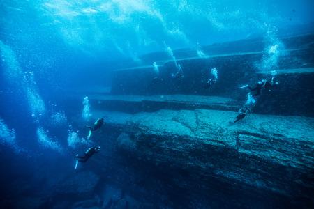 onderwater piramide Stockfoto