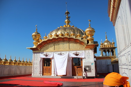 temple tank: Best Golden temple in the Indian state of Amritsar