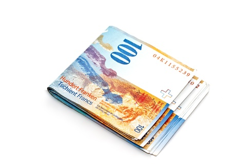 100 Swiss Franc banknote on white background  Imagens