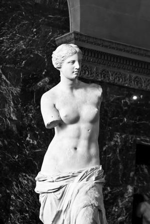 afrodite: Venere di Milo scultura al museo del Louvre Editoriali