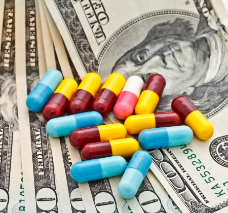 reform: US dollar banknotes with medicine capsules